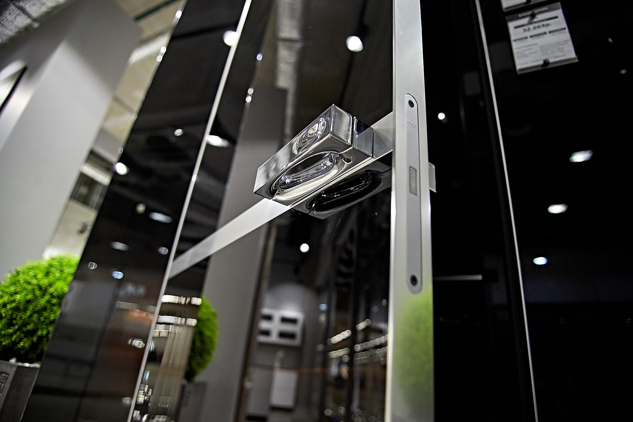 Двери с алюминиевой кромкой
